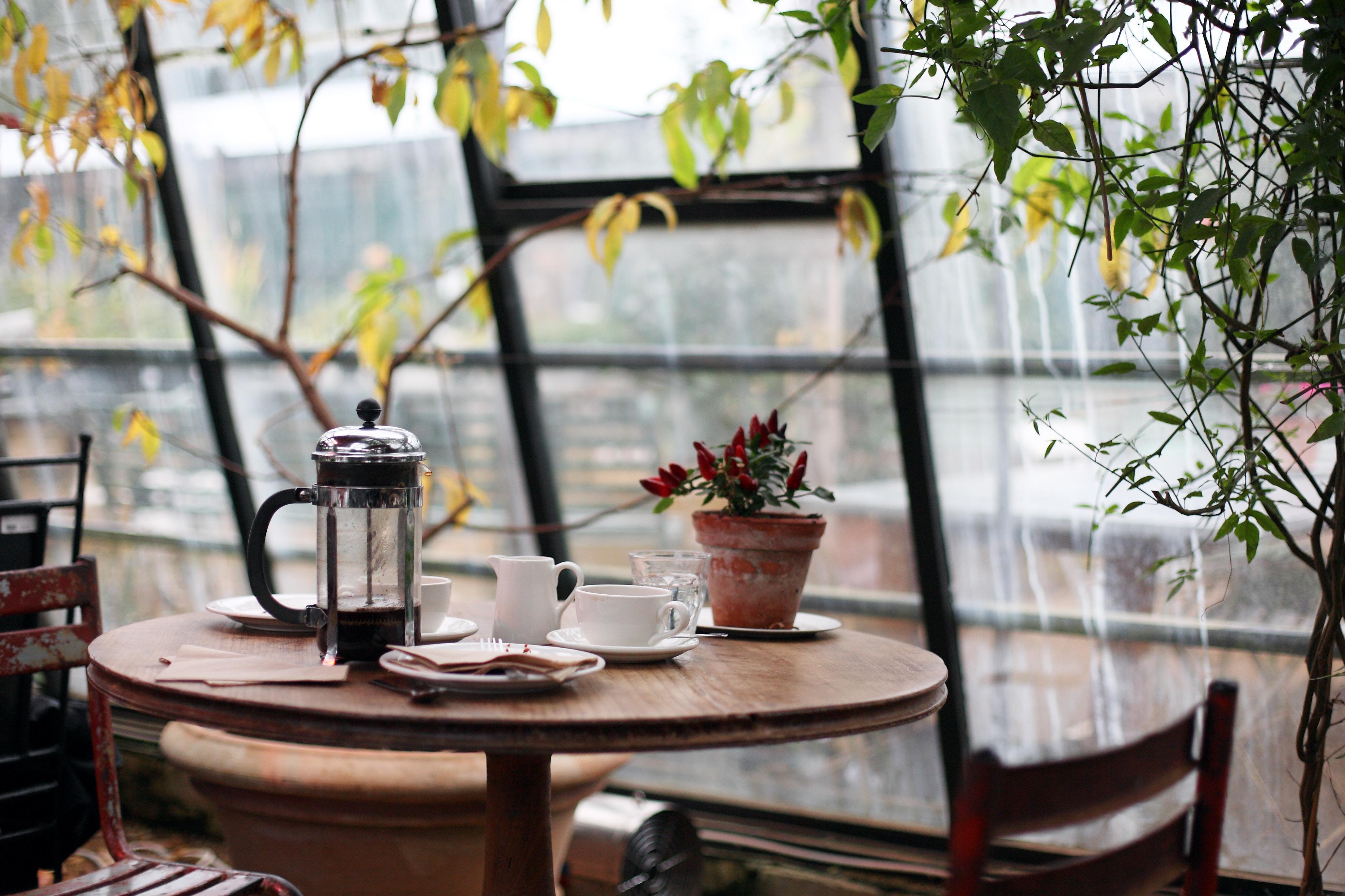 """Es geht doch nichts über einen guten """"French Press"""" Kaffee am Wochenende! (Foto: Kris Atomic/Unsplash)"""